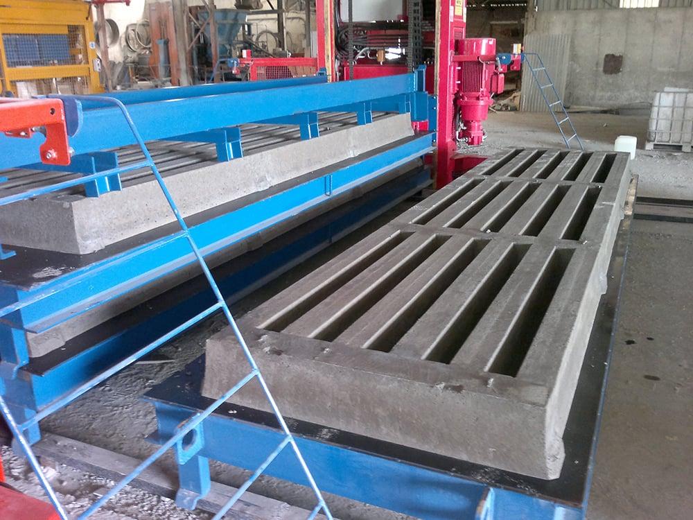 Precast concrete dry cast