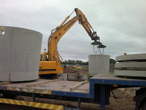 2-2-dig-lifting-tanks
